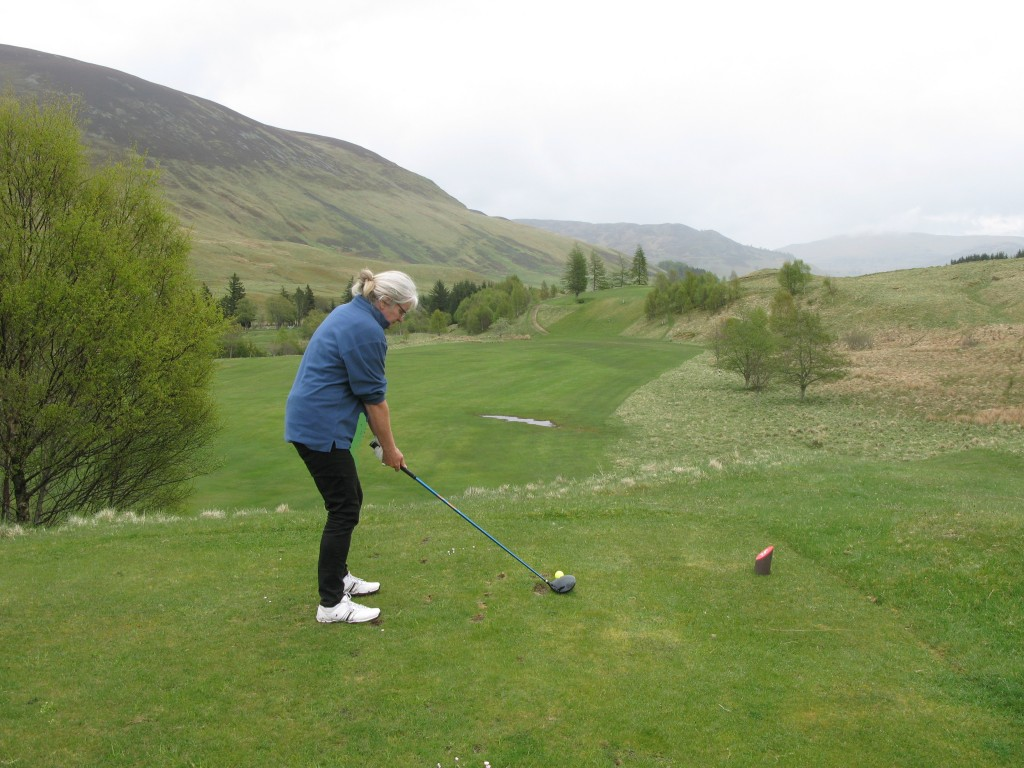 Fran on 3rd tee at Dalmunzie