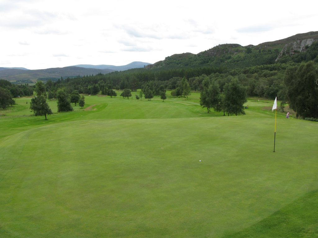 The par 5 4th with a plateau green - think through your course management here
