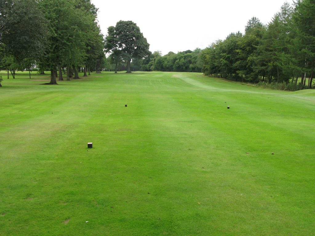 """The 16th at Broomieknowe, a typical hole on this """"nice"""" course."""
