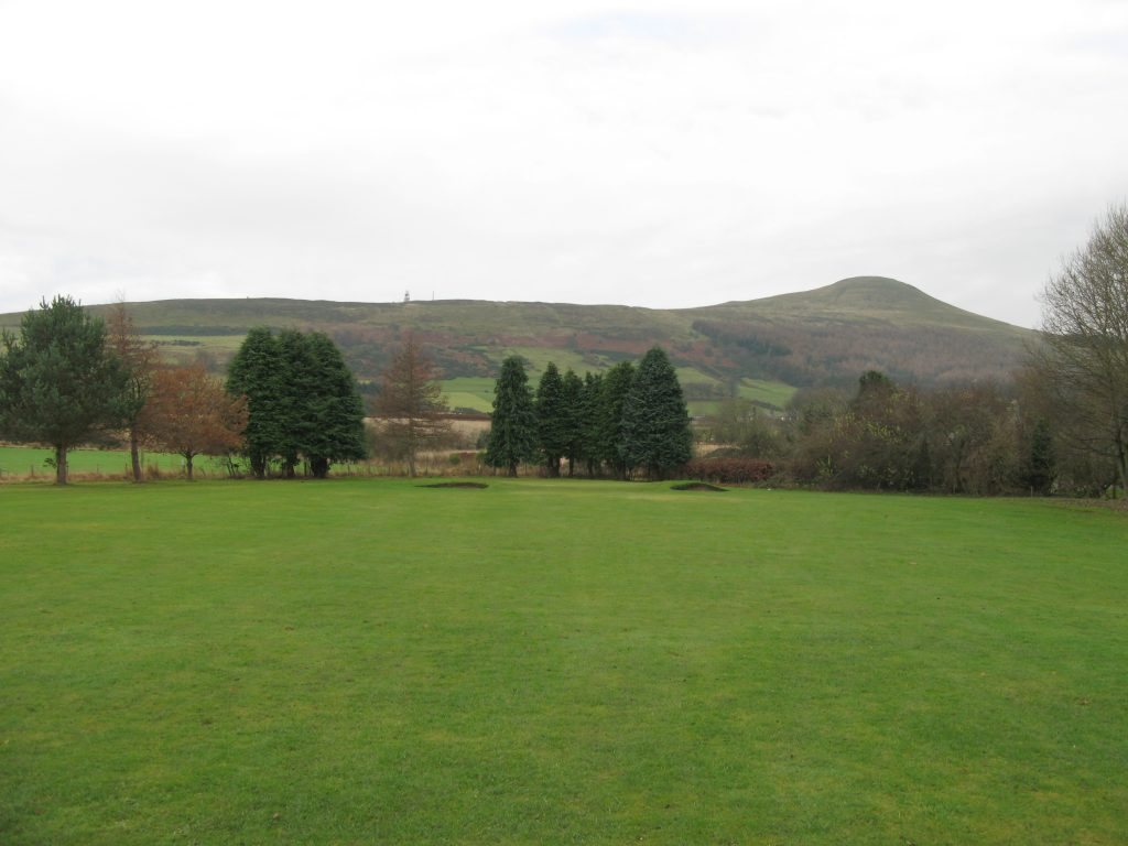 Approach to the 7th at Falkland with Lomond Hills in view